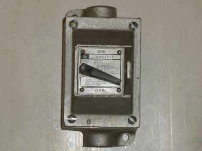 General electric ge manual motor starter cr101h700j for Ge manual motor starter